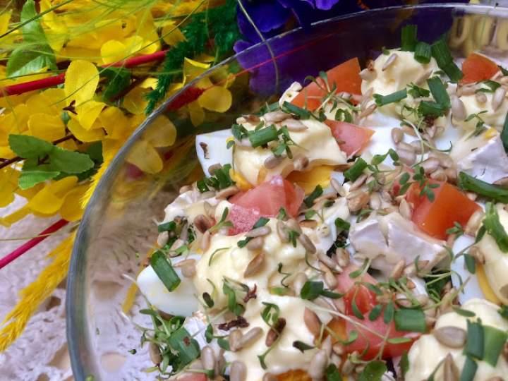 Sałatka z brokułem i jajkami