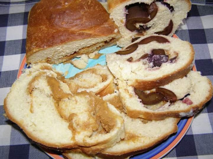 ciasto drożdżowe a`la chałka z kajmakiem,śliwkami…