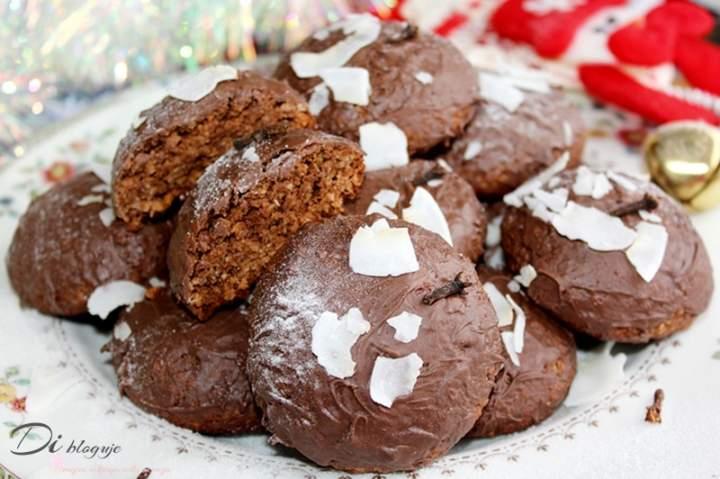 Miękkie pierniczki kokosowo-jaglane w czekoladzie (gluten free)