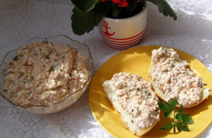 szprotki z twarogiem, papryką czyli pyszna pasta do pieczywa…