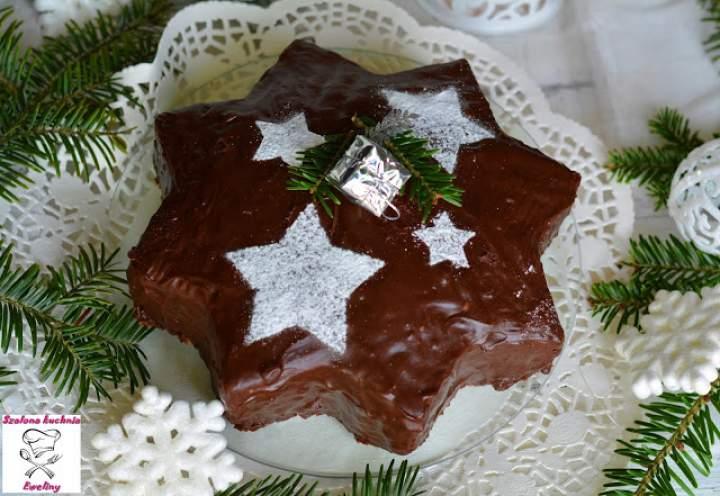 Gwiazdkowe ciasto czekoladowe z nutą pomarańczy