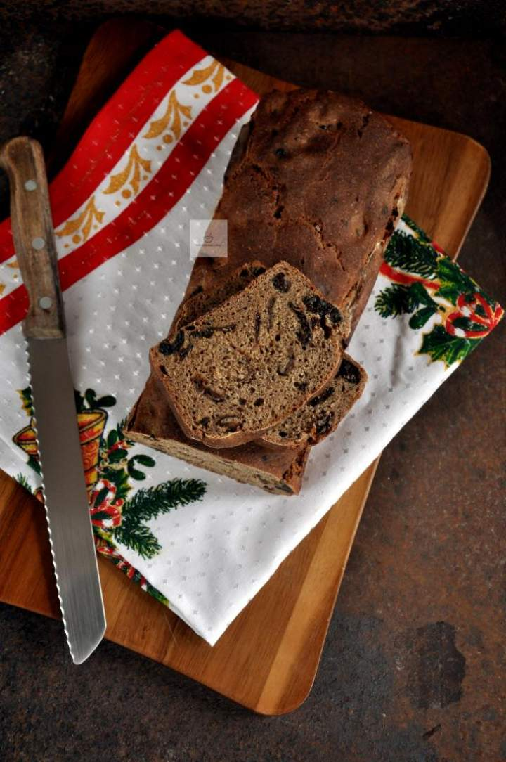 Chleb litewski ze śliwką (świąteczny)