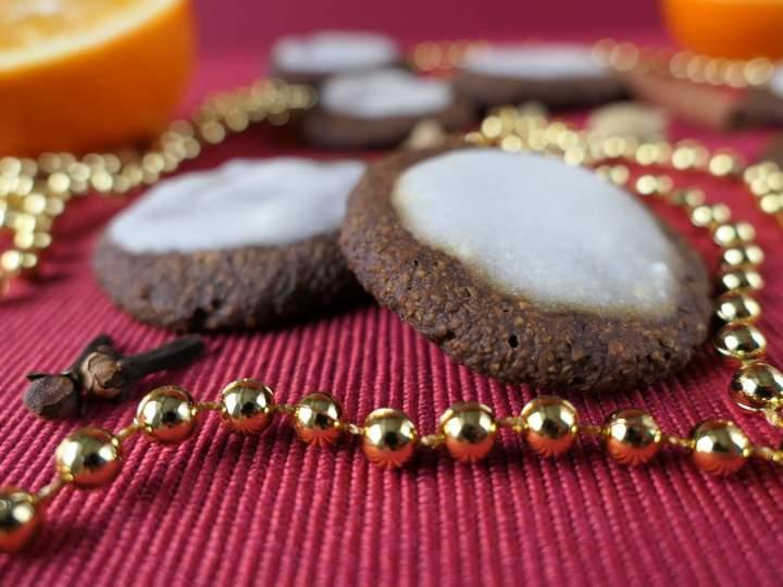 Pierniczki marchewkowe z melasą karobową