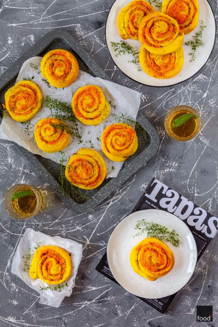 Ślimaczki serowe z masłem czosnkowym i ziołami