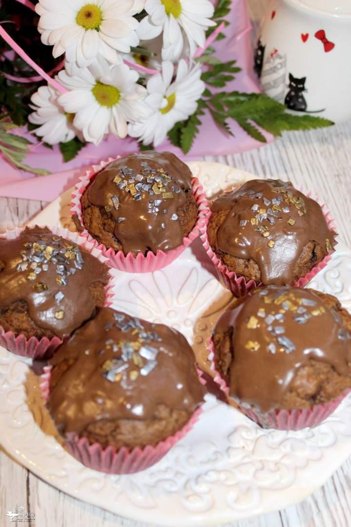 Pełnoziarniste czekoladowe babeczki