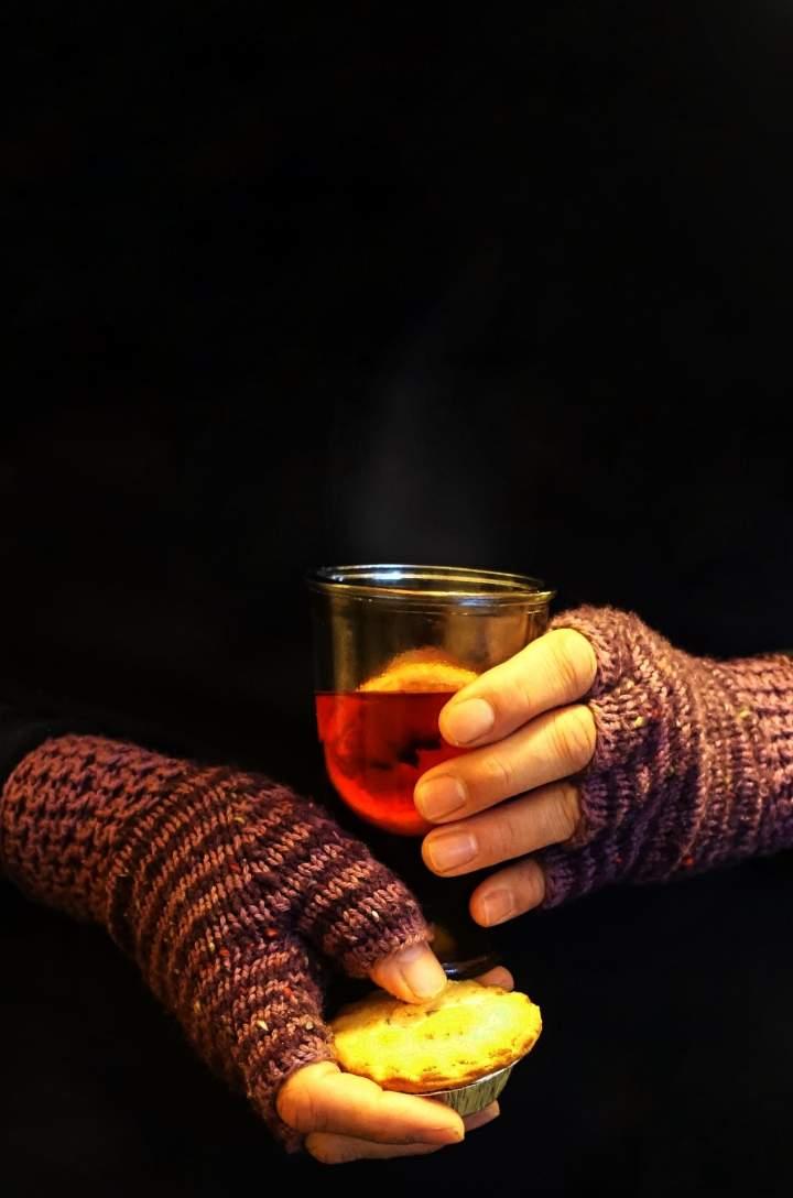 Gorącym piwem w zimowe chłody! Przepisy na grzańca.