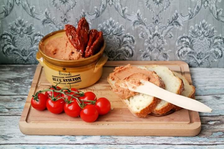 Pasztet z kurczaka i suszonych pomidorów