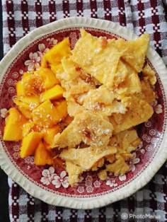 Kokosowy omlet cesarski z mango
