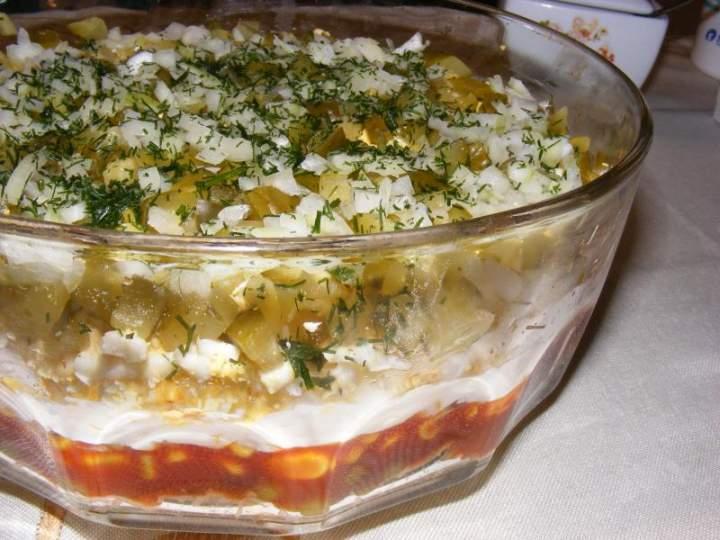 Warstwowa sałatka warzywna