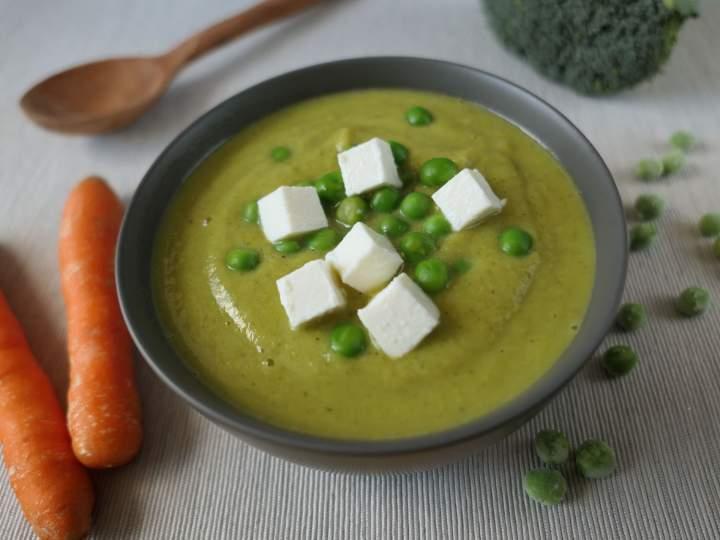 Zupa-krem z brokuła i groszku z fetą