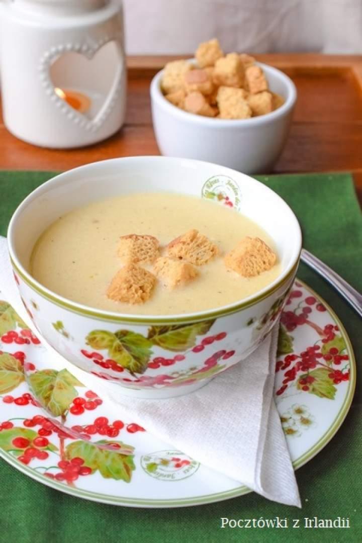 Czosnkowa zupa krem z szafranem