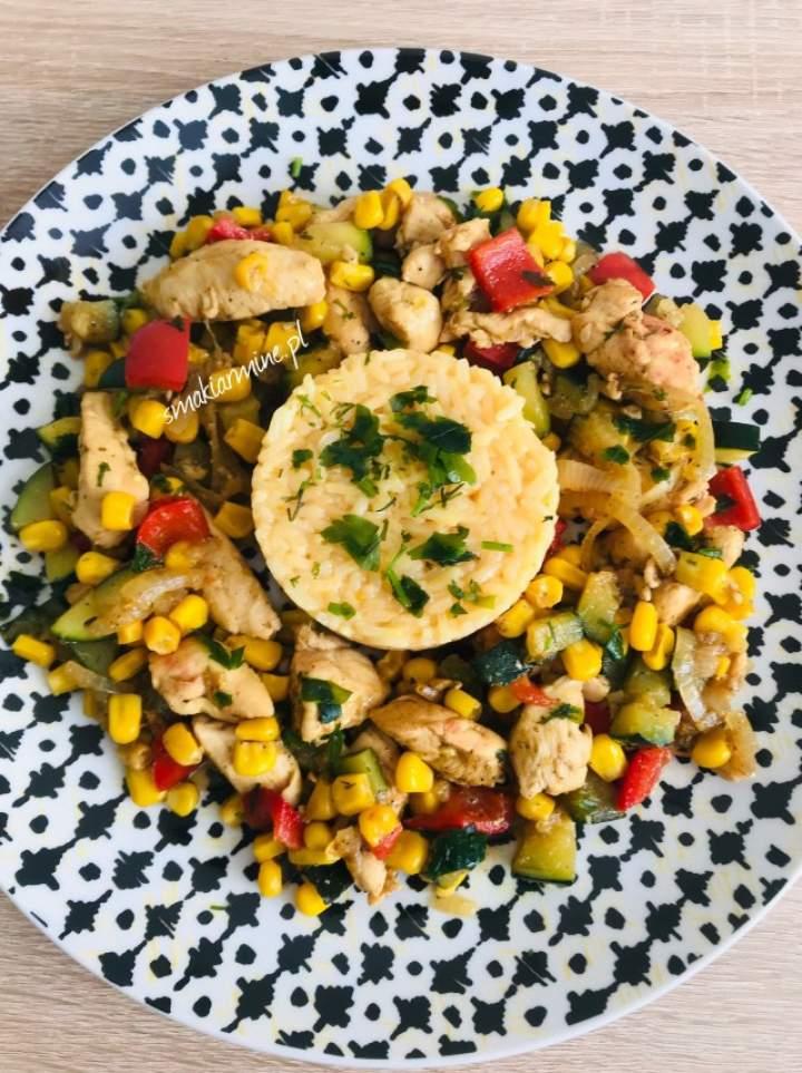 Ekspresowa potrawka z kurczaka z warzywami