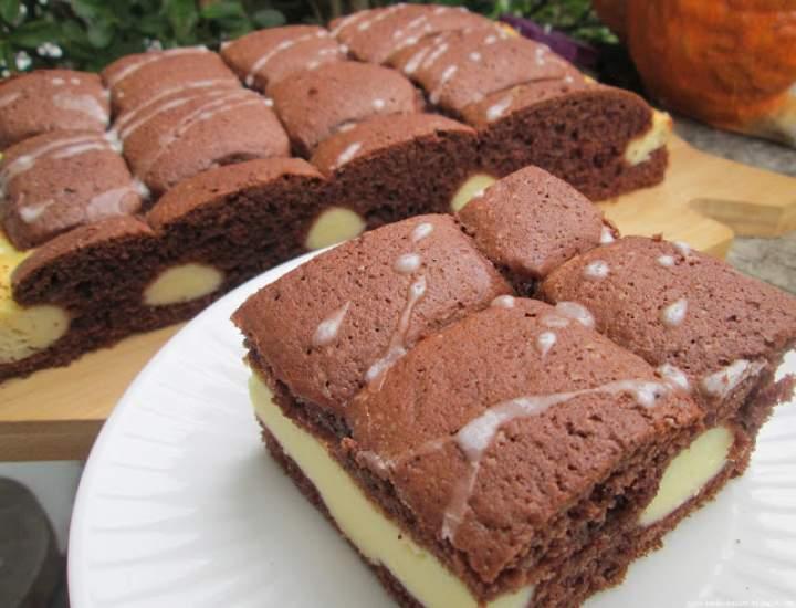 Ciasto Poduszkowiec czyli murzynek z masą serową