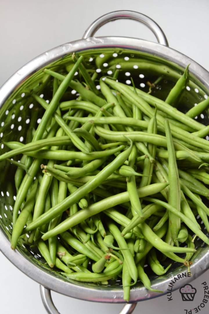 Jak gotować fasolkę szparagową i z czym ją podawać?