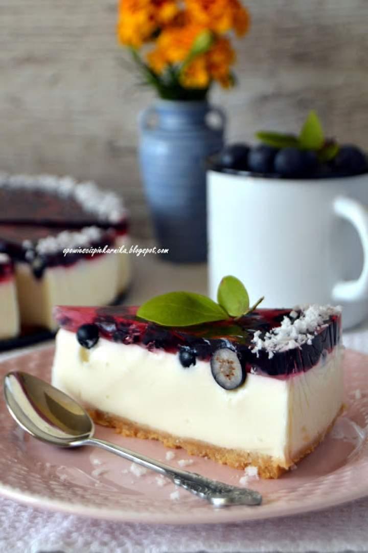 Jogurtowo – kokosowy sernik na zimno z borówkami