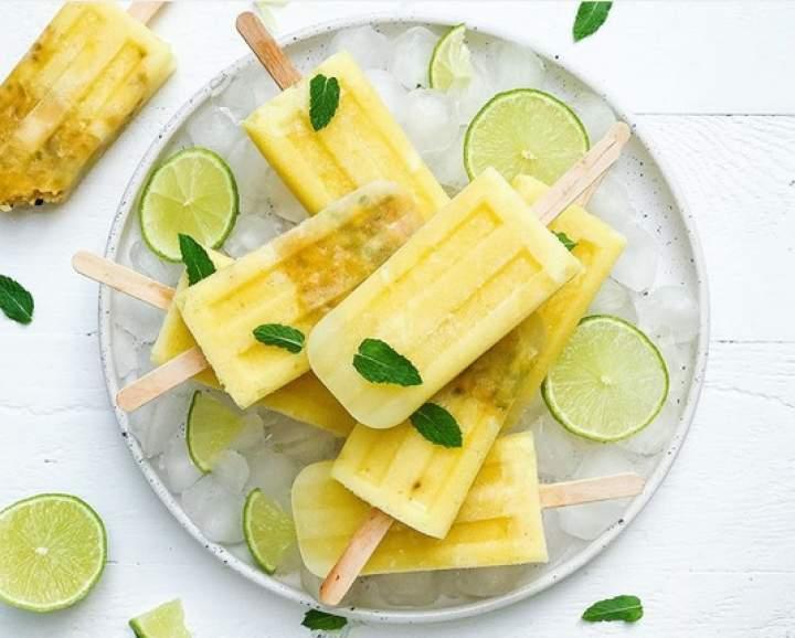 ananas + limonka + gruszka + (marakuja)