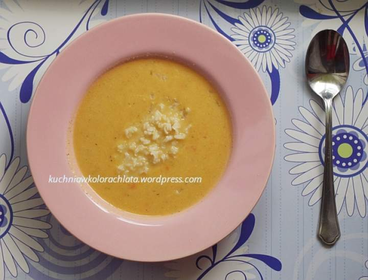 Kremowa zupa z batatów i kalafiora z mlekiem kokosowym i curry