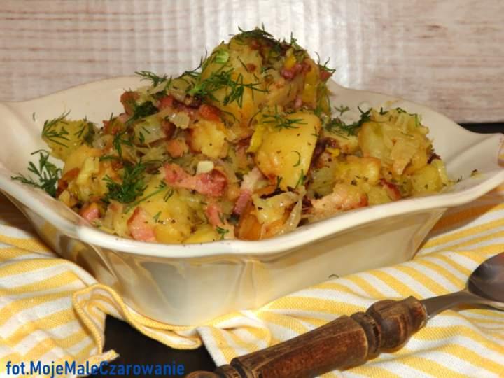 Smażone ziemniaki z boczkiem, porem i czosnkiem
