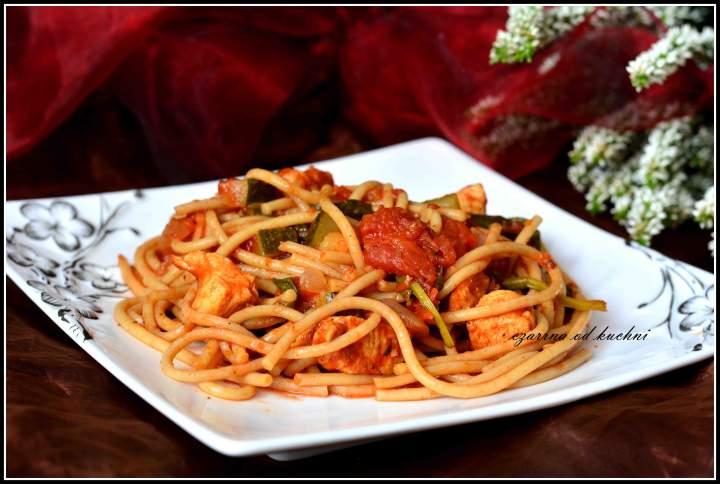 Pełnoziarniste spaghetti