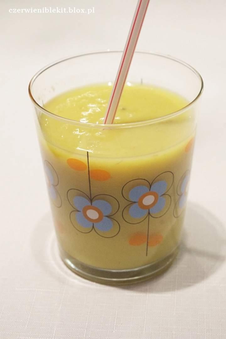 Koktajl z żółtych owoców