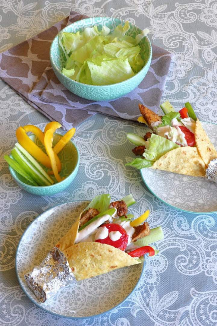 Tortilla z kurczakiem i warzywami  a'la kebab