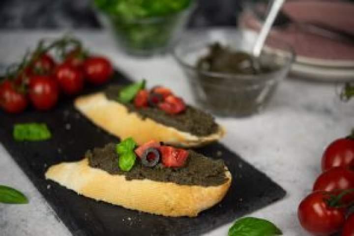Tapenada – pasta z czarnych oliwek