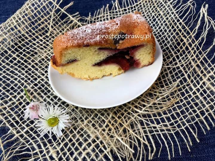 Ciasto ze śliwkami na oleju i śmietanie