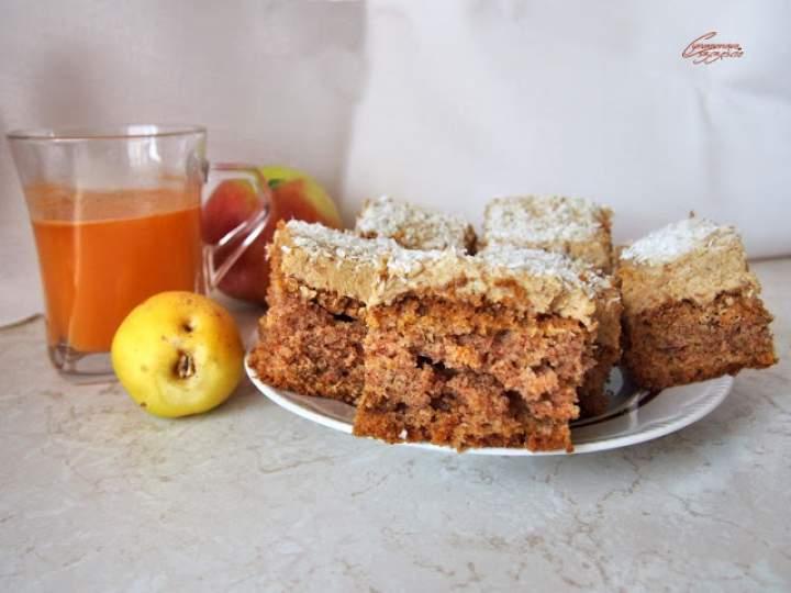 Ciasto marchewkowe z kremem daktylowym