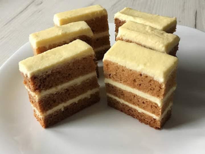 Ciasto miodowe z serem
