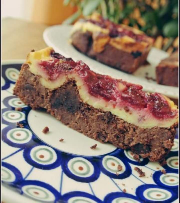 Fit brownie dyniowe z serem i owocami!