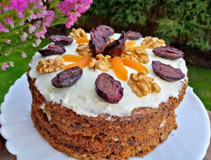 Najlepsze ciasto marchewkowe z kremem z serka śniadaniowego