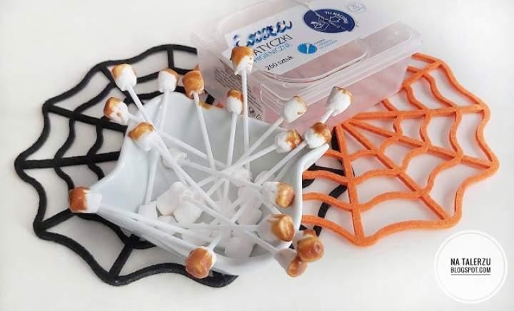 Jadalne zużyte patyczki do uszu na Halloween