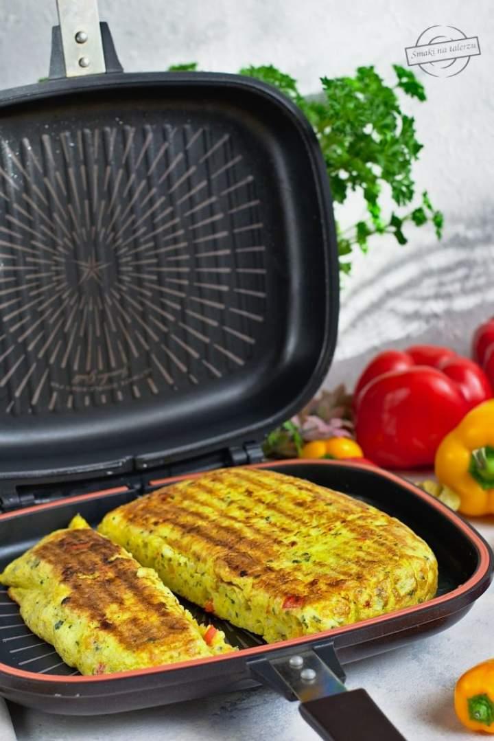 Omlet ziemniaczany z czerwoną papryką + testowanie dwustronnej patelni Happycall