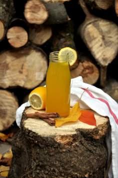 Napój imbirowy z kurkumą i cytryną