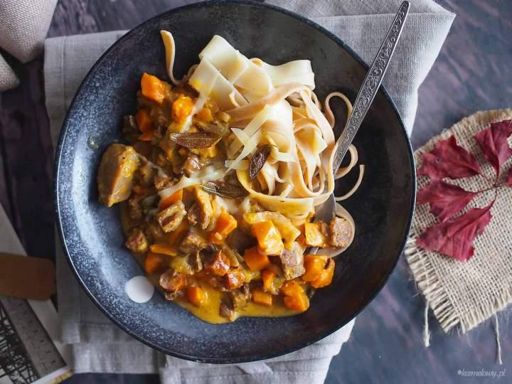 Makaron z dynią i kiełbasą / Pumpkin and sausage pasta