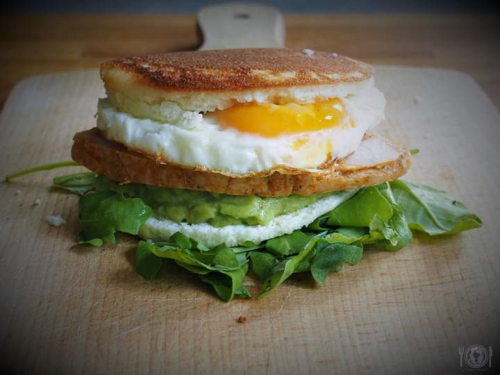 Keto Avocado & Egg McMuffin (Paleo, LowCarb)