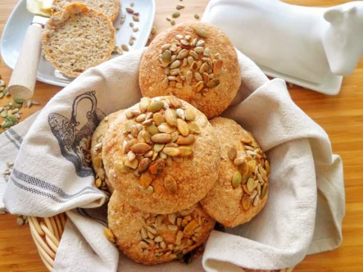 Bułeczki z ziarnami (Panini ai cereali)