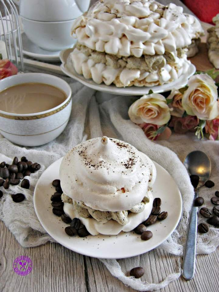 Bezy z kremem kawowym