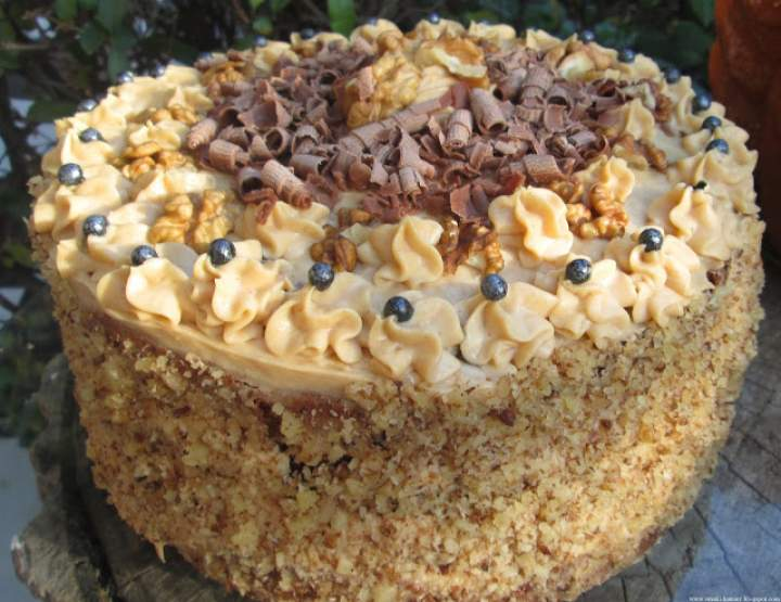 Wspaniały tort orzechowy z kremem z masłem orzechowym +FILM