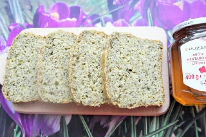Chleb orkiszowo – kukurydziano – orzechowy z chia