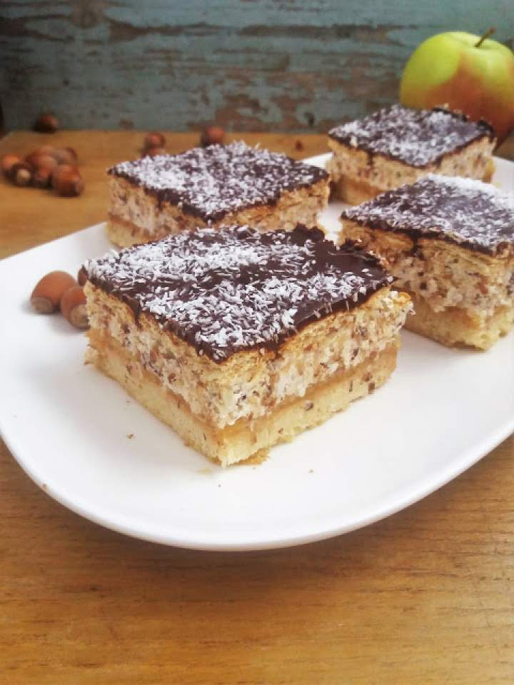 Ciasto Niebo z jabłkami i orzechami (Film) / Polish Buttercream Apple 'Heaven' Cake (Video Recipe)