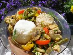 gulasz warzywno-drobiowy z ryżem i kaszą…