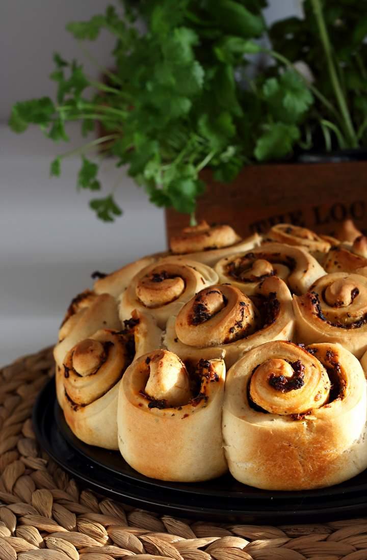 Imprezowy chlebek ziołowy
