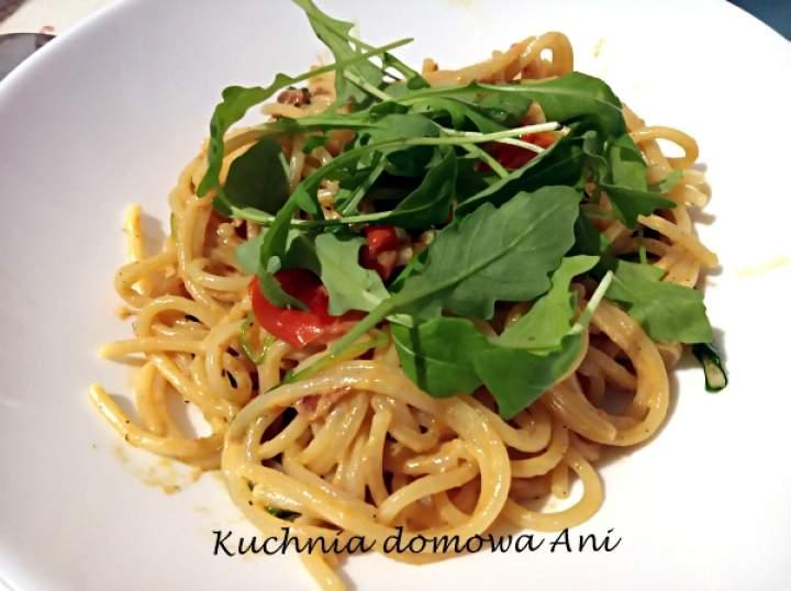 Spaghetti z pomidorami i mascarpone