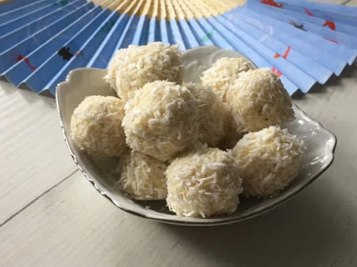 Praliny kokosowe z migdałami