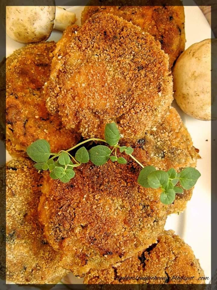Drobiowe kotlety siekane z pieczarkami i mozzarellą