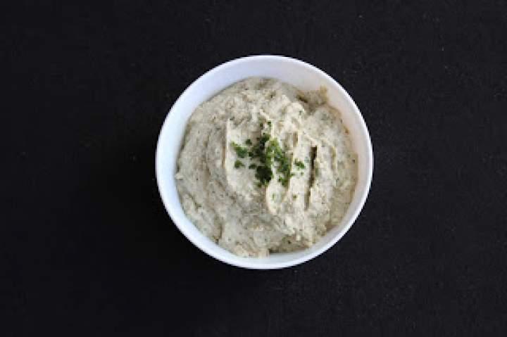 Baba ganoush – pasta z pieczonego bakłażana