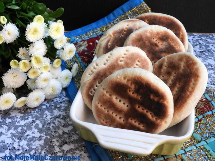 Batbout – marokański chlebek z patelni