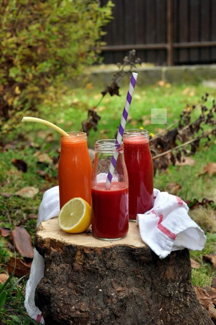 Świeży sok z burakiem i jabłkami