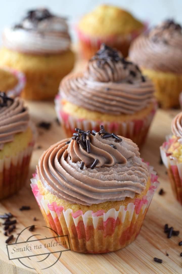 Muffinki z masą krówkową